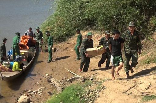 Cách chức, giáng cấp hàng loạt cán bộ biên phòng để hàng lậu tự do qua biên giới