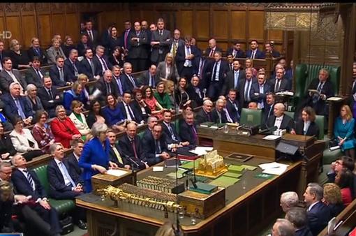 Chính phủ Anh vượt qua cuộc bỏ phiếu tín nhiệm