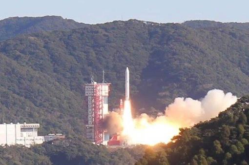 Vụ phóng thành công tên lửa MicroDragon: Việt Nam tiến tới tự phát triển vệ tinh của riêng mình