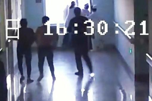 Trung Quốc: Nữ y tá quên mình cứu bệnh nhân nhảy lầu tự tử