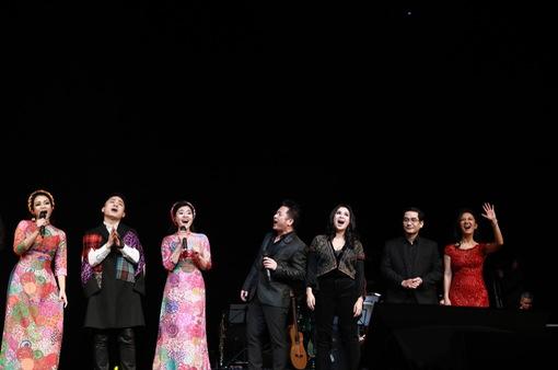 Những khoảnh khắc lắng đọng trong Live concert Đánh thức tầm xuân của nhạc sĩ Dương Thụ tại Hà Nội