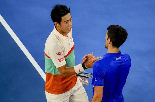 Australia mở rộng 2019: Nishikori bỏ cuộc, Djokovic dễ dàng vào bán kết