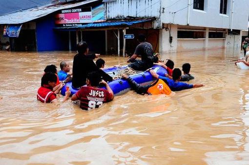 Mưa lớn, lở đất ở Indonesia, ít nhất 6 người chết