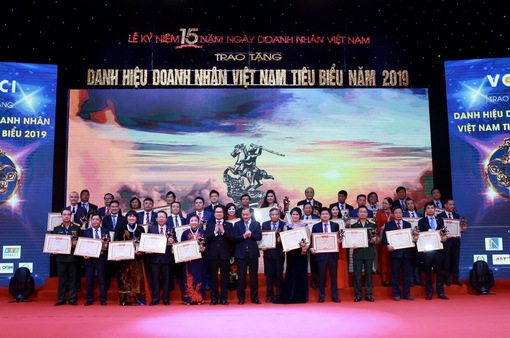 Vinh danh 100 doanh nhân Việt Nam tiêu biểu 2019