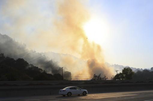 """Cháy rừng tại miền Nam California """"hạ nhiệt"""""""