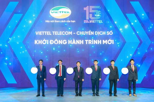 Viettel đánh dấu 15 năm kinh doanh dịch vụ thông tin di động