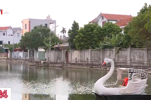 Vụ 2 trẻ đuối nước ở Hà Nội: 1 người lớn và 4 trẻ em trên thuyền đạp vịt dành cho 2 người