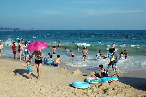 Những bãi biển dù rất đẹp nhưng du khách vẫn nên tránh xa