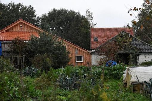 Hà Lan: Gia đình bị giam giữ suốt 9 năm trong nhà