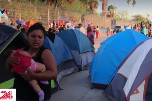 Hàng trăm trẻ em di cư có nguy cơ mắc bệnh truyền nhiễm tại biên giới Mỹ - Mexico