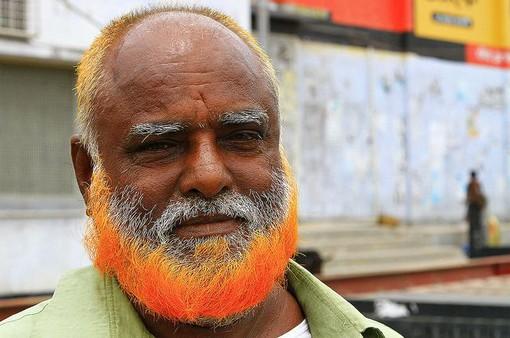 Trào lưu để râu... màu cam ở Bangladesh