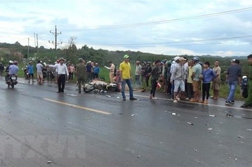 Xe máy tông trực diện xe tải, hai học sinh lớp 10 thiệt mạng