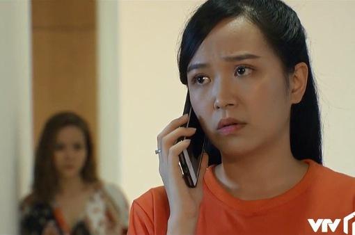 Những nhân viên gương mẫu - Tập 43: Đang đi chơi với cơ quan Chi (Kim Oanh) bị người tình già bắt về