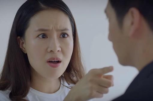 """Hoa hồng trên ngực trái - Tập 23: Khuê chỉ thẳng mặt Thái đe dọa giành lại quyền nuôi con vì """"không còn là Khuê của ngày xưa"""""""