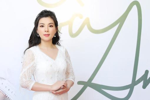 """Ca sĩ Bùi Lê Mận ra mắt dự án """"Sông và anh"""" kỷ niệm 10 năm ca hát"""