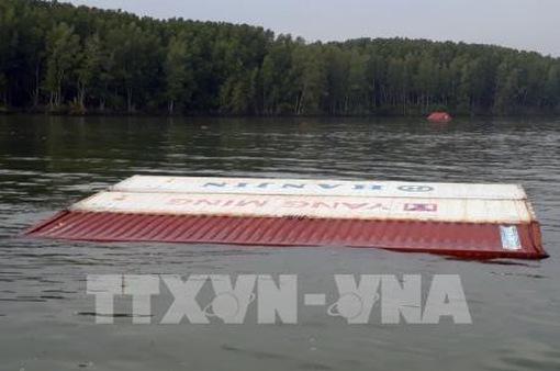 Ứng cứu sự cố tràn dầu trong vụ chìm tàu 8.000 tấn tại TP.HCM