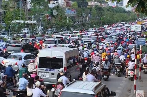 Hà Nội yêu cầu không để phát sinh ùn tắc giao thông kéo dài quá 15 phút