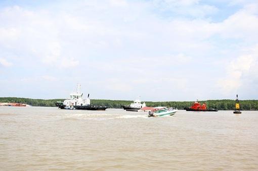 Đã chốt phương án trục vớt tàu chìm trên sông Lòng Tàu