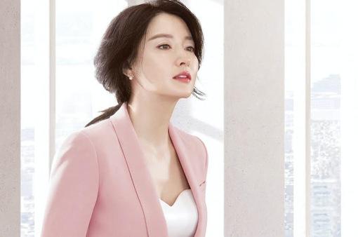 Lee Young Ae: Làm cha mẹ thực sự là công việc khó khăn