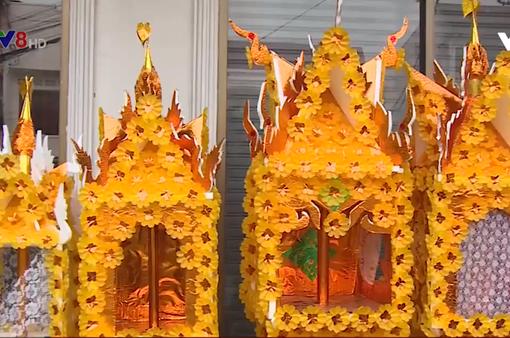 Tháp hoa sáp - Nét văn hóa đặc sắc của Lào