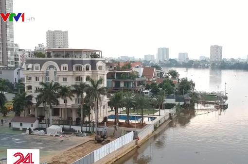 Bờ sông Sài Gòn đang bị biến thành của riêng