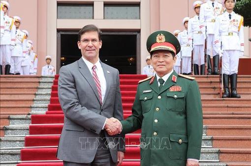 Bộ trưởng Quốc phòng Mỹ thăm chính thức Việt Nam