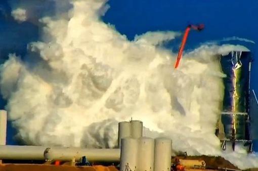 Tên lửa của SpaceX nổ tung khi phóng thử