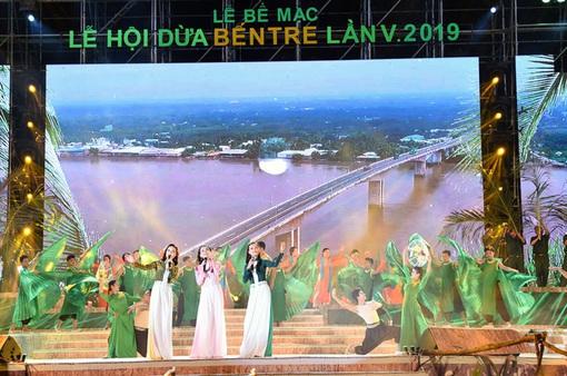 Bế mạc Lễ hội Dừa Bến Tre 2019: Hẹn nhé Dừa ơi!