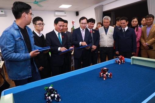 Ra mắt mô hình giáo dục STEM tại Thái Nguyên và Bắc Ninh