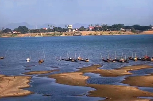 Sông Mekong cạn nước xuống mức kỷ lục