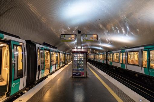 Giao thông tại Pháp tiếp tục tê liệt do đình công
