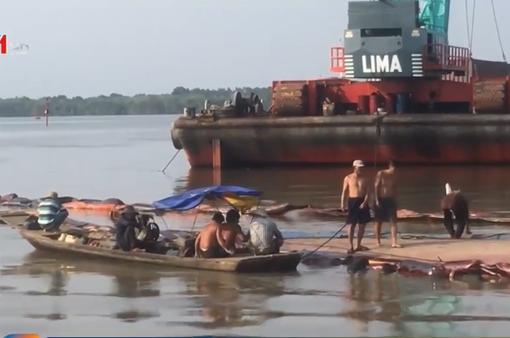 3 thợ lặn mất tích khi trục vớt container chìm trên sông Lòng Tàu