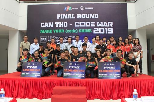Ba học sinh THPT chiến thắng Code War Cần Thơ 2019