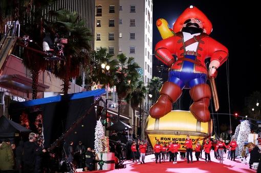 Khởi động mùa Giáng sinh trên Đại lộ danh vọng, Mỹ