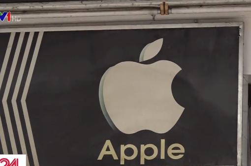 Nhiều cửa hàng điện thoại ở Việt Nam vẫn sử dụng logo Apple