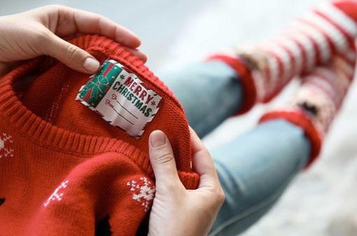 Áo len Giáng sinh là... thủ phạm gây ô nhiễm đại dương