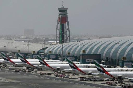 Sân bay Dubai tạm ngừng hoạt động vì thiết bị bay không người lái