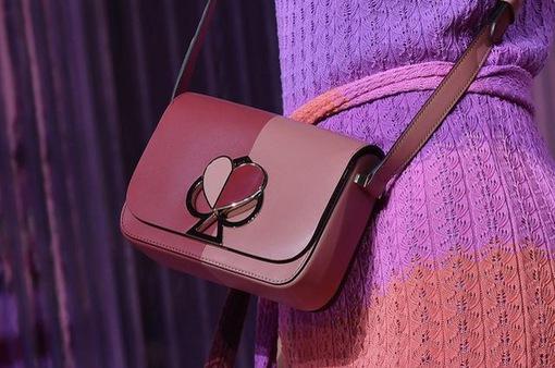 Túi xách lạ mắt từ tuần lễ thời trang New York 2019