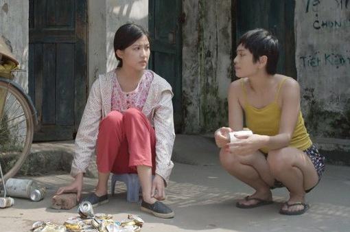 """Những cô gái trong thành phố - Tập 17: Ly tỉ tê dụ Mai ra quán """"ngồi một lúc cũng có vài lít"""""""
