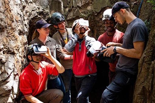 Khám phá hang động bằng ứng dụng thực tế ảo