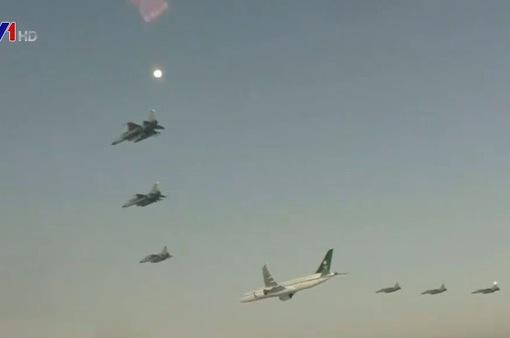 Máy bay chiến đấu Pakistan dẫn đường cho Thái tử Saudi Arabia