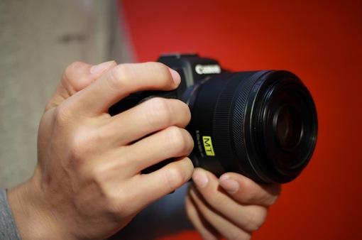 Trải nghiệm máy ảnh không gương lật dành cho người không chuyên