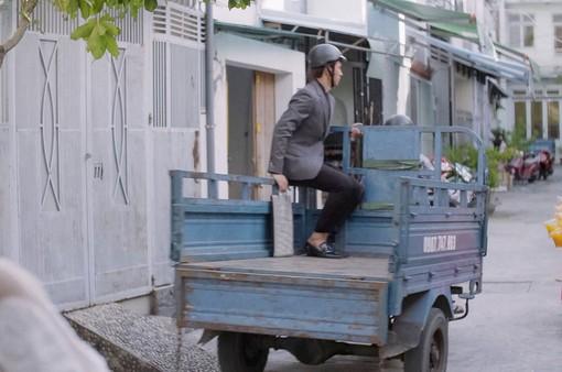 """Mối tình đầu của tôi - Tập 18: Cười lăn lộn với cách An Chi đưa Nam Phong ra sân bay lúc """"nước sôi lửa bỏng"""""""