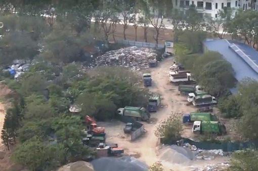Bãi rác thải trái phép tại dự án thi công hồ Mễ Trì