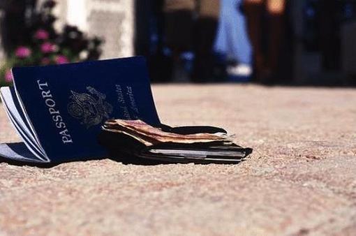 Làm gì nếu bị mất hộ chiếu khi du lịch nước ngoài?