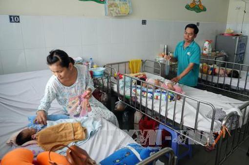 Gia tăng trẻ em mắc bệnh tiêu hóa mùa nắng nóng