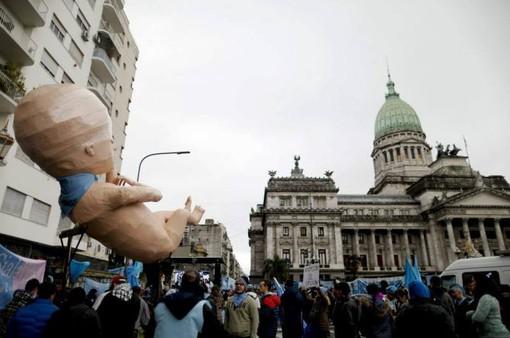 Tuần hành phản đối nạo phá thai tại Argentina