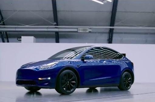 Tesla ra mắt thêm mẫu SUV chạy điện giá rẻ
