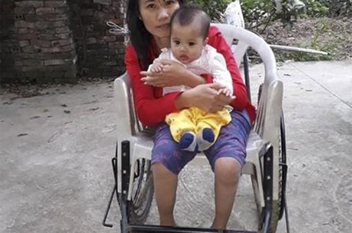 Xót xa mẹ tật nguyền một mình nuôi con mắc bệnh hiểm nghèo