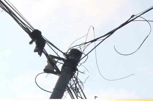 Tự cắm trụ điện sinh hoạt: Biết nguy hiểm vẫn… liều - Vì sao?